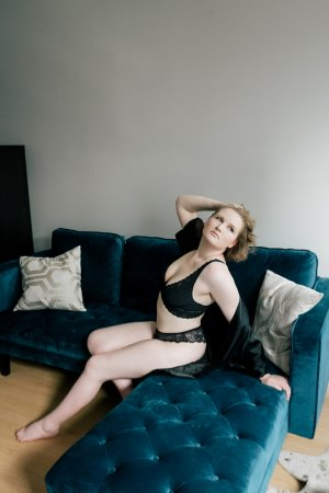 Joanna cougar sex ads Burlington